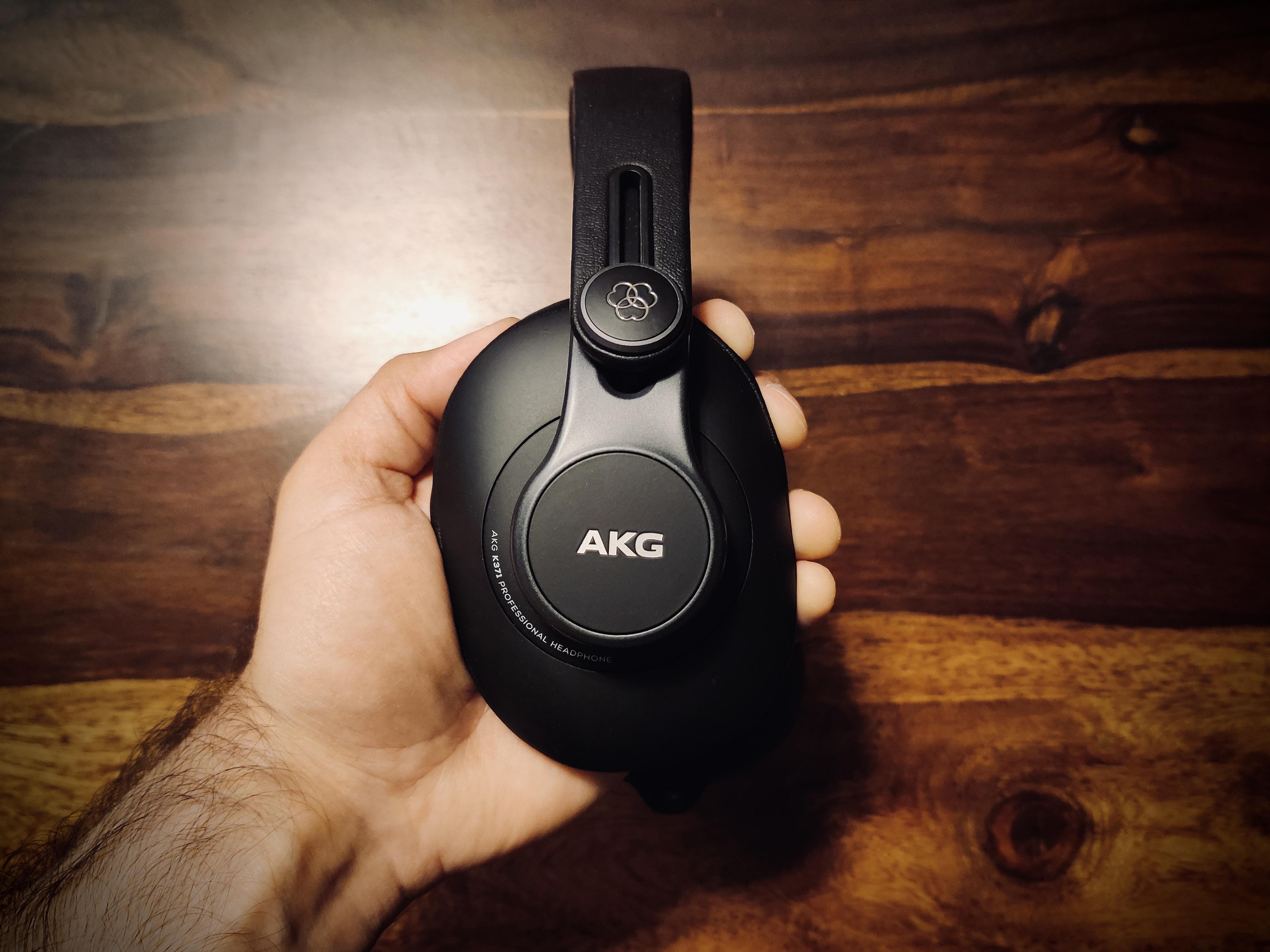 AKG K371 Solo 2