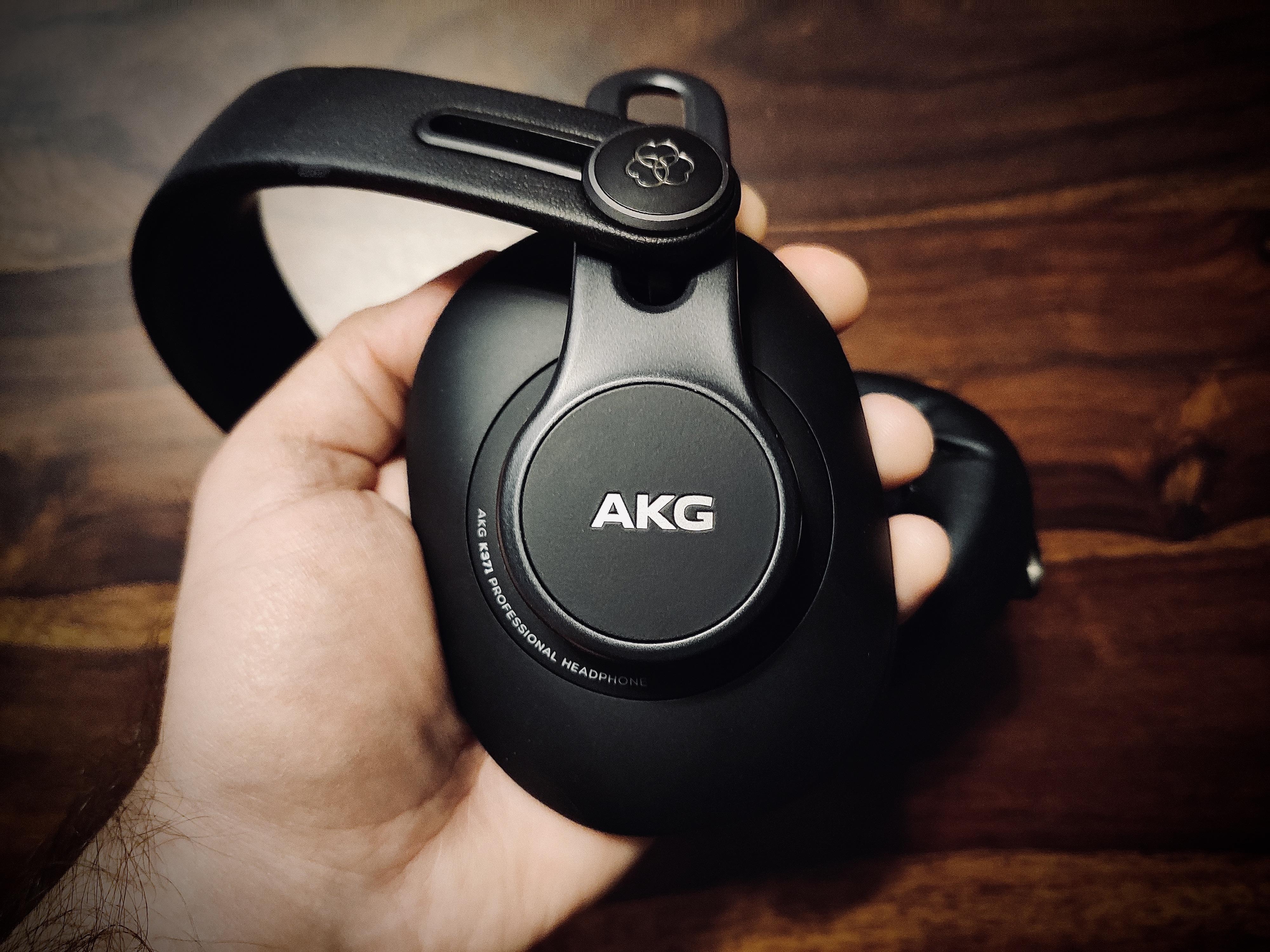 AKG K371 Solo 3