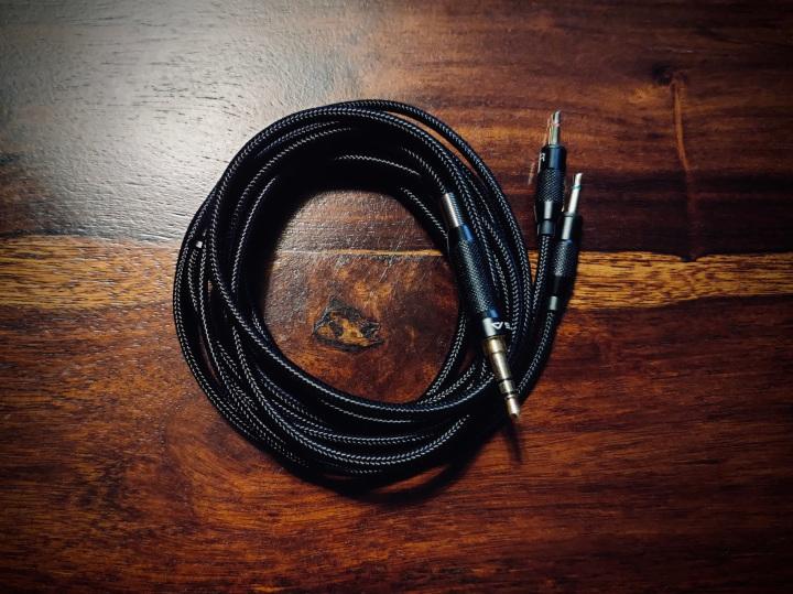 Sivga Phoenix Cable